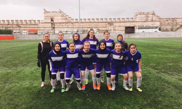 Bağcılar'da Bayan Futbol Takımı hayata geçti
