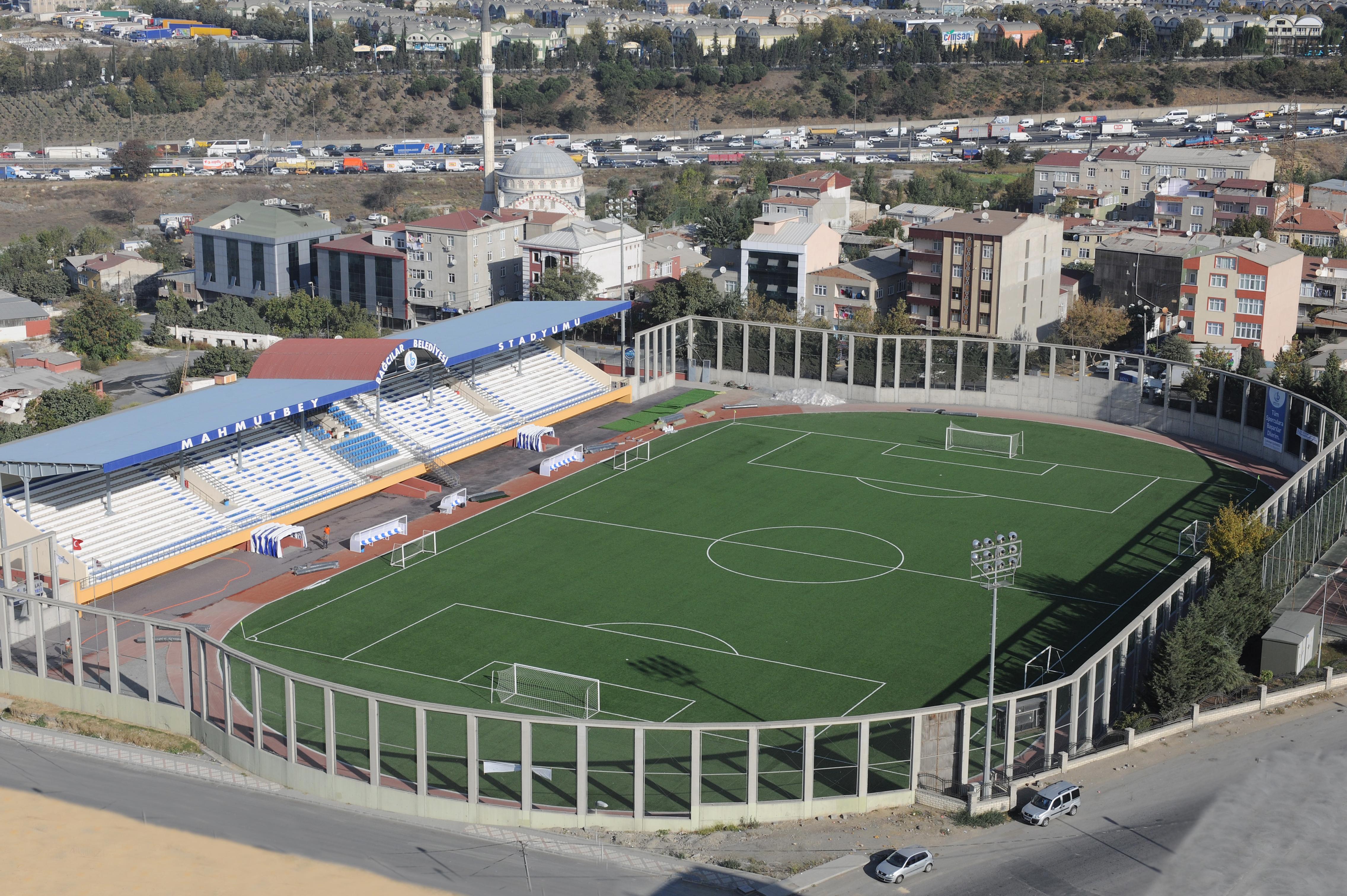 Belediye Stadyumu ( Mahmutbey Stadyumu )