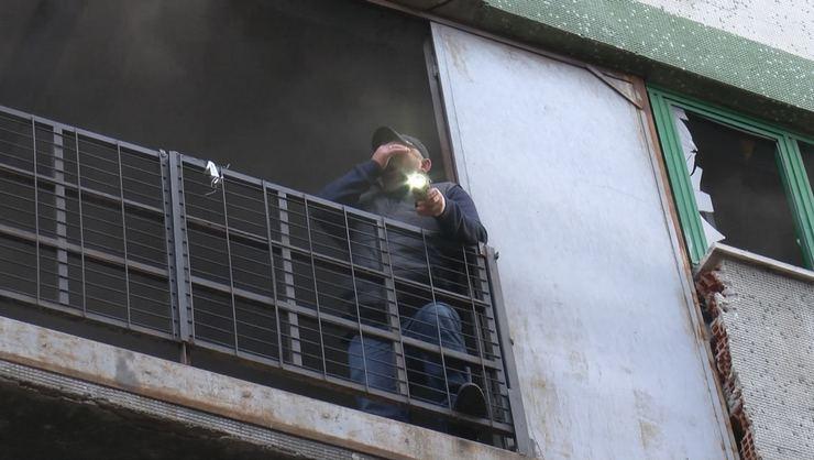 Bağcılar'da bulunan bir ayakkabı imalathanesinde yangın çıktı.