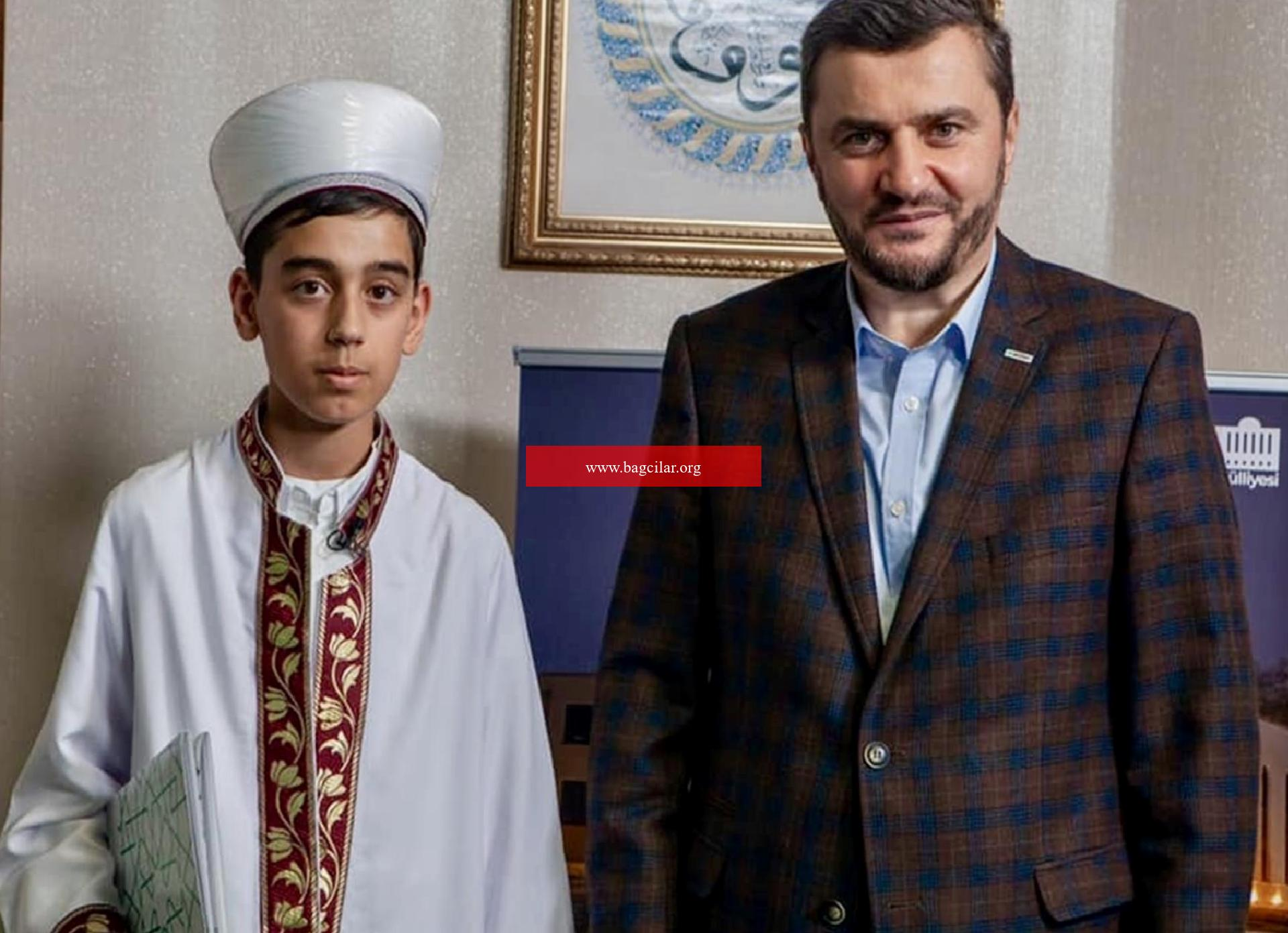 Almanya'da yaşayan 12 yaşındaki Muhammed Talha, Kur'an-ı Kerim'in tamamını tek seferde okudu