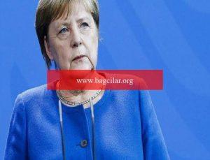 Merkel'den pandemi açıklaması! 'Üçüncü dalgayı kırmış görünüyoruz'