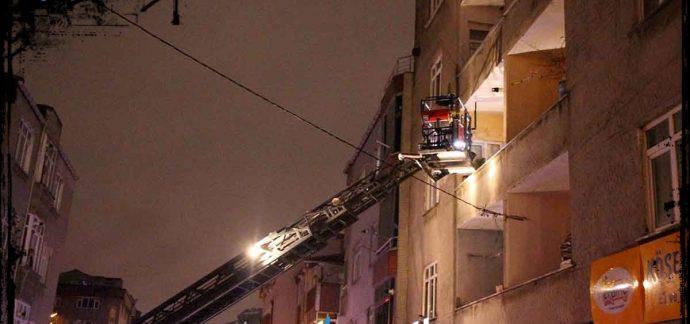 Bağcılar'da elektrik panosu yandı: 15'i çocuk 21 kişi zehirlendi